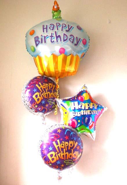 一才の誕生日を素敵にお祝いします。ファーストバースデーケーキ バルーン