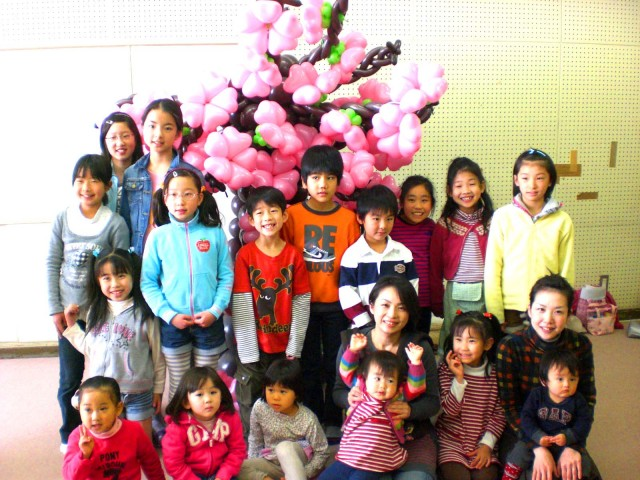 2011年4月福岡市中央児童館で春休みバルーン教室を開催しました。(福岡風船の会・主催)