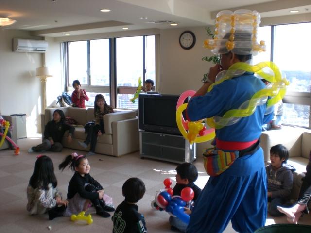 2010年3月 福岡市中央区追手門一丁目育成会様からバルーンショーのご依頼ほいただきました。