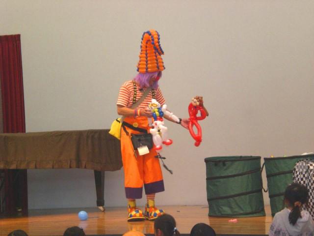 2009年12月 長崎県諫早市「のぞみ会館」様からバルーンショー&バルーン教室のご依頼をいただきました。