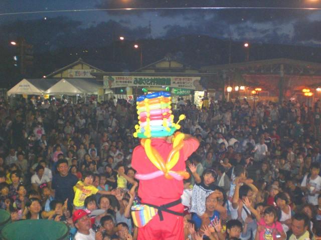 2010年8月佐賀県伊万里市 南波多納涼夏祭り 様からバルーンショーのご依頼をいただきました。