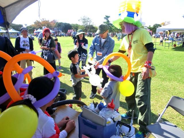 2014年8月福岡県海の中道海浜公園「土木の日」主催者様からバルーン教室のご依頼をいただきました。