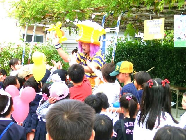 2011年11月福岡県福岡市「みどりが丘幼稚園」様からバルーンショーのご依頼をいただきました。