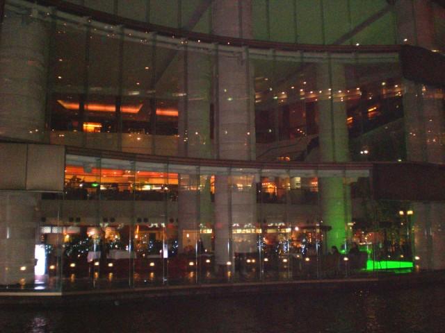 福岡県 グランド・ハイアットホテル様から大晦日カウントダウンパーティーでのバルーン演出のご依頼をいただきました。