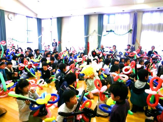 2011年12月福岡県春日市「平田台子ども会」様からバルーンショー&教室のご依頼をいただきました。