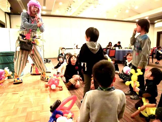 2011年12月大分県中津市「中津青年会議所」様からバルーンショーのご依頼をいただきました。