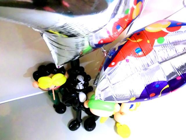 誕生日祝「DXワンピース バルーン&バルーンアート・バースデー 」素敵なバルーン電報になります。