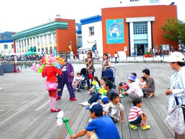 2009年 9月 福岡県 門司港レトロ10周年イベント様かバルーンショーのご依頼をいただきました。ら