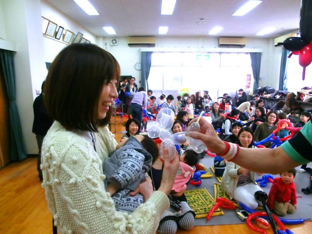 2015年3月福岡市「高取公民館」様からバルーン教室のご依頼をいただきました。