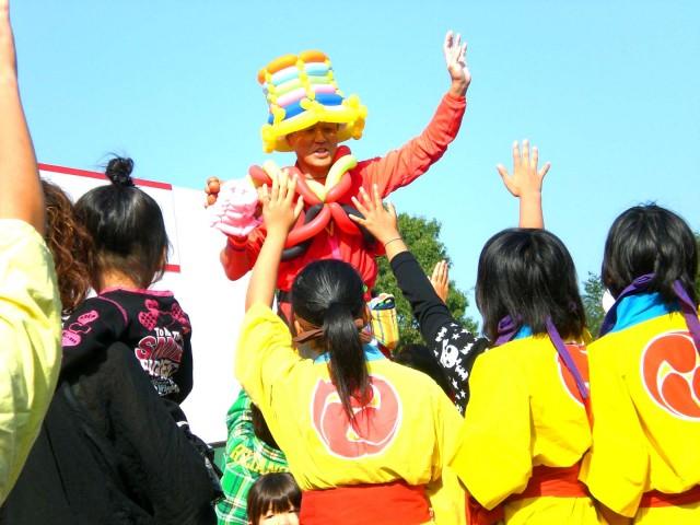2010年10月 福岡県久留米市 「高良台リハビリテーション病院」様からバルーンショーのご依頼をいただきました。