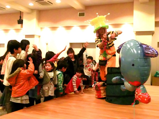 2012年 2月 福岡県福岡市 「JA福岡市東部」 様からバルーンショーのご依頼をいただきました。