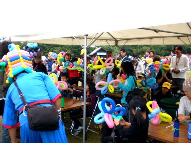 福岡県 海の中道海浜公園 「土木の日」のイベントとしてバルーン体験教室は大盛況でした