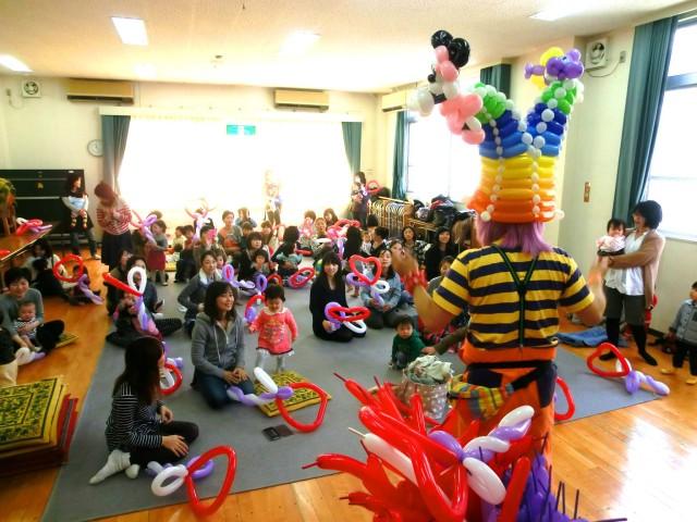 2014年3月福岡市「高取公民館」様からバルーン教室のご依頼をいただきました。