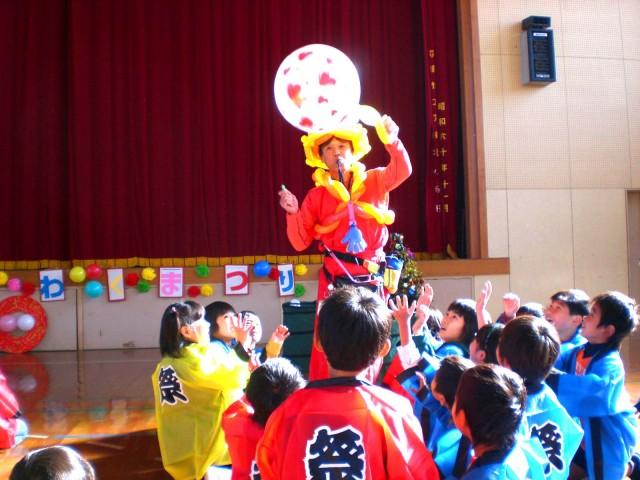 2010年12月 福岡県久留米市「筑後北小学校」様からバルーンショー&バルーン教室のご依頼をいただきました。