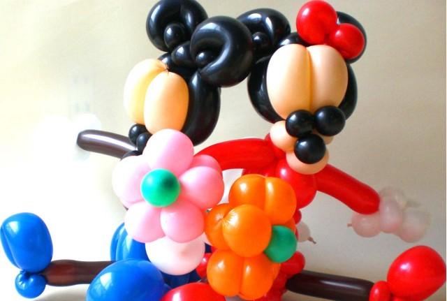 【ディズニーコーナー】かわいいミッキーマウス,ミニーマウスのバルーンアートをアレンジしました。