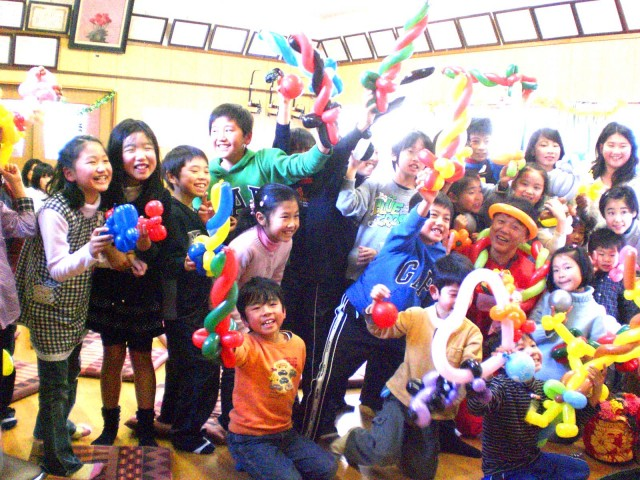 福岡県福岡市 「黒門東部子ども育成会」様からバルーンショーのご依頼をいただきました。