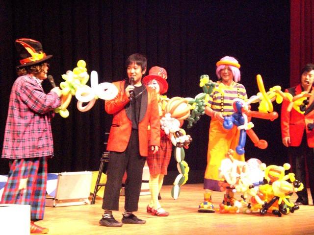 2011年3月北九州ライオンズ・クラブ様からバルーンショーのご依頼をいただきました。