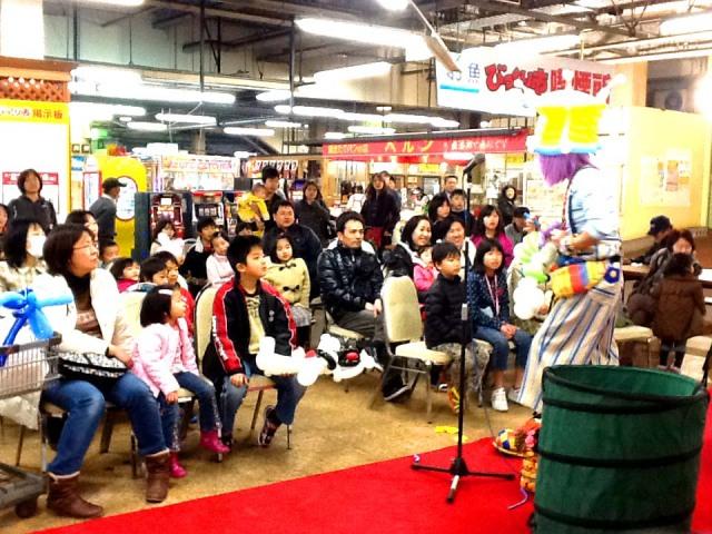 2012年3月 福岡県「ダイショーフェア」 様からバルーンショーのご依頼をいただきました。