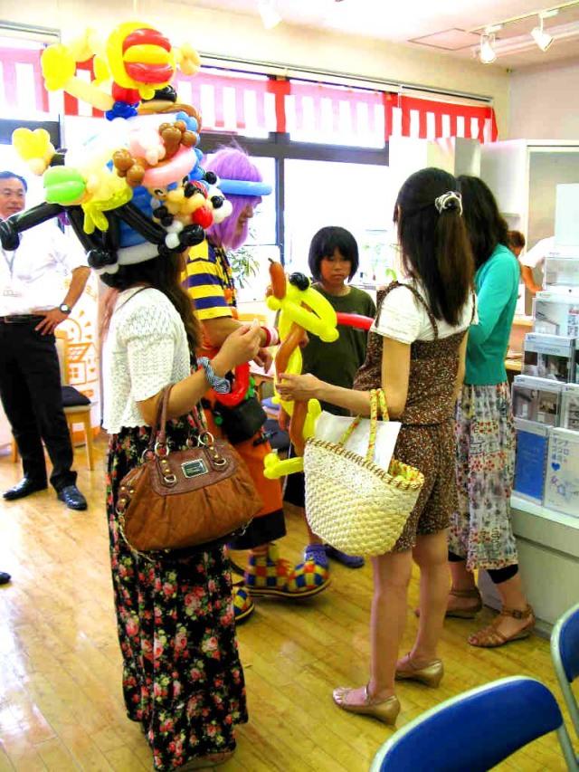2011年8月LIXILリクシル佐賀支店様からバルーンショーのご依頼をいただきました。