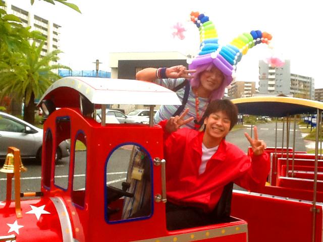 2013年11月 福岡県福岡市 HIT住宅展示場 様からバルーンプレゼンターのご依頼をいただきました。