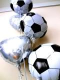 結婚祝「サッカー大好き ブライダルバルーン」バルーンギフトにメッセージカードを添えれば素敵なバルーン電報になります。